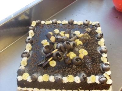 Торта 100
